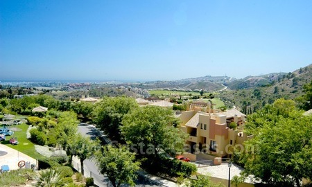 Bargain golf apartment to buy in West Marbella – Benahavis 0