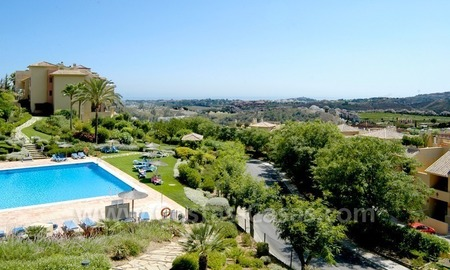 Bargain golf apartment to buy in West Marbella – Benahavis 1