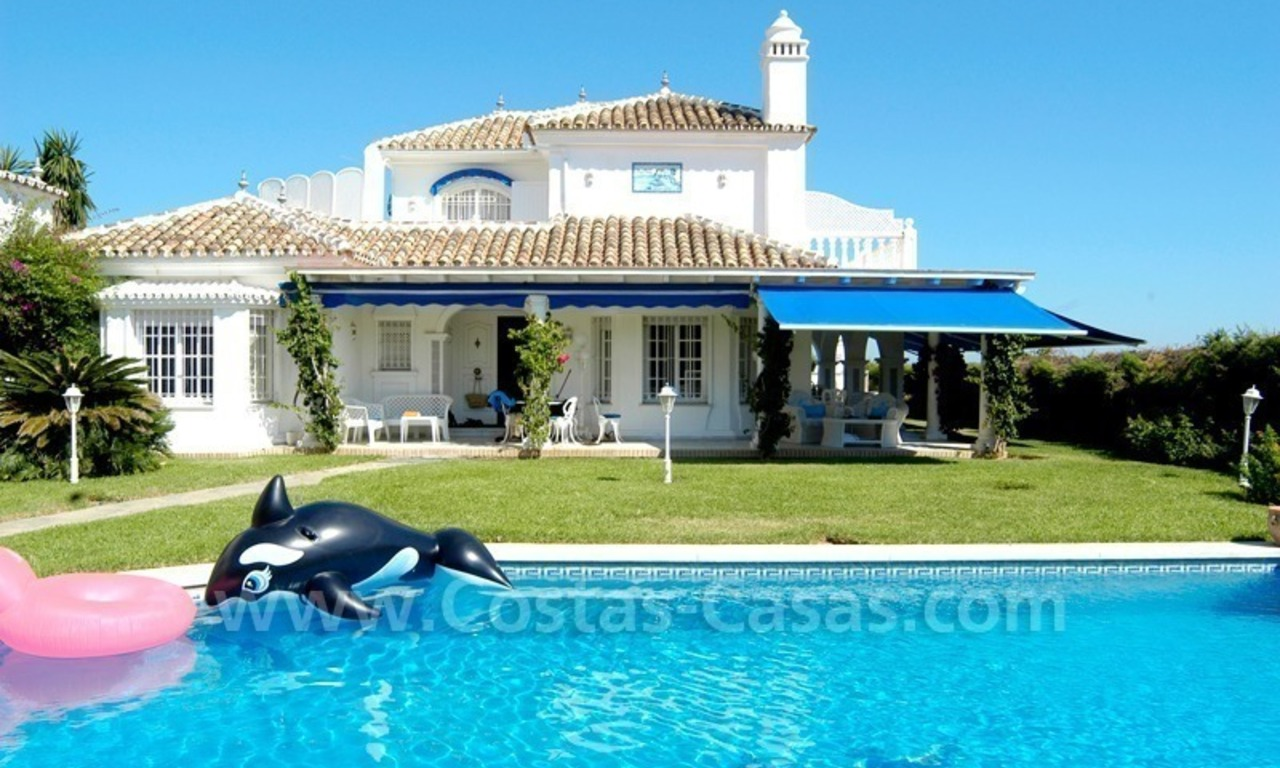 Spanish style beachside villa for sale in Eastern Marbella 2
