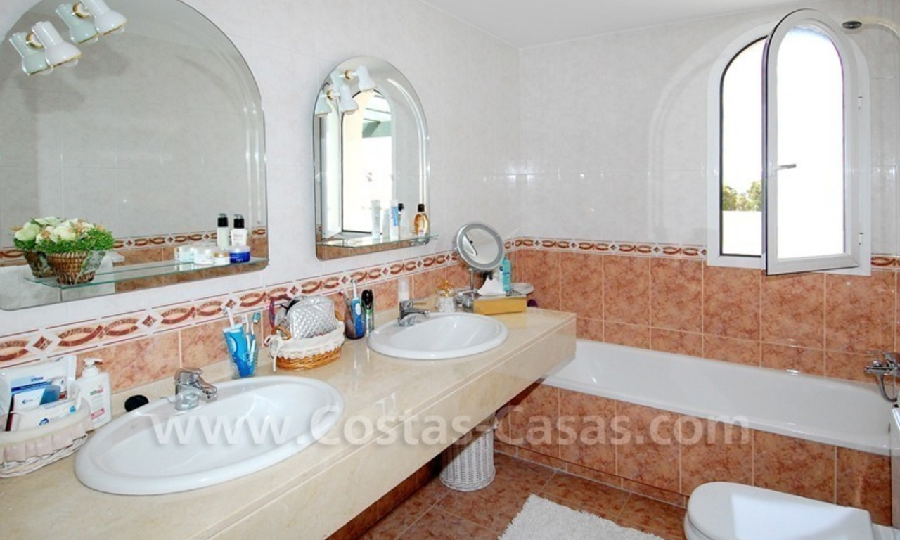 Bargain penthouse apartment for sale in Nueva Andalucia – Marbella 10