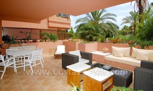 Spacious beachside luxury apartment for sale in Nueva Andalucía very near to Puerto Banús in Marbella