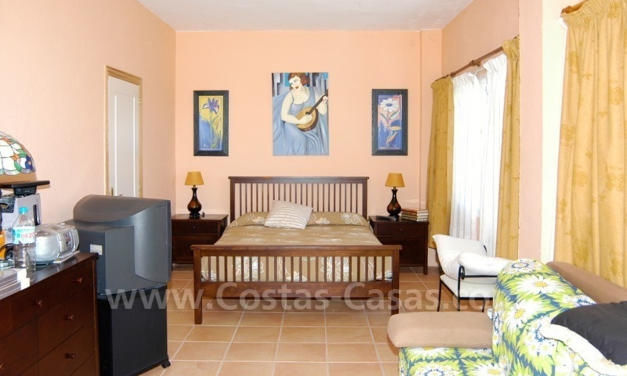 Bargain golf town-house to buy in an up-market area of Nueva Andalucía, Marbella 15