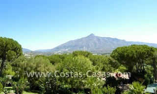 Bargain golf town-house to buy in an up-market area of Nueva Andalucía, Marbella 4