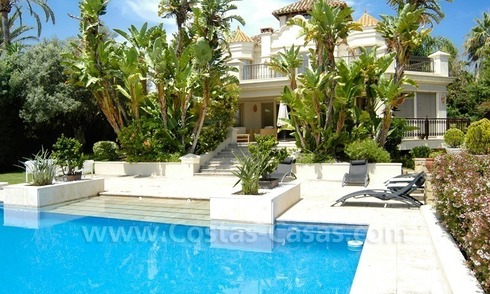 Classical style villa to buy beachside in Eastern Marbella