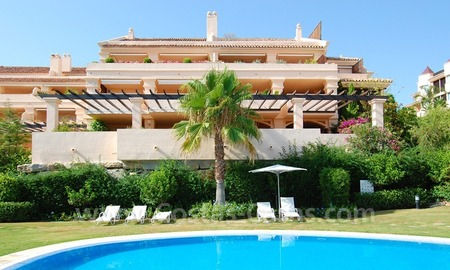 Large luxury apartment for sale in Nueva Andalucia – Marbella
