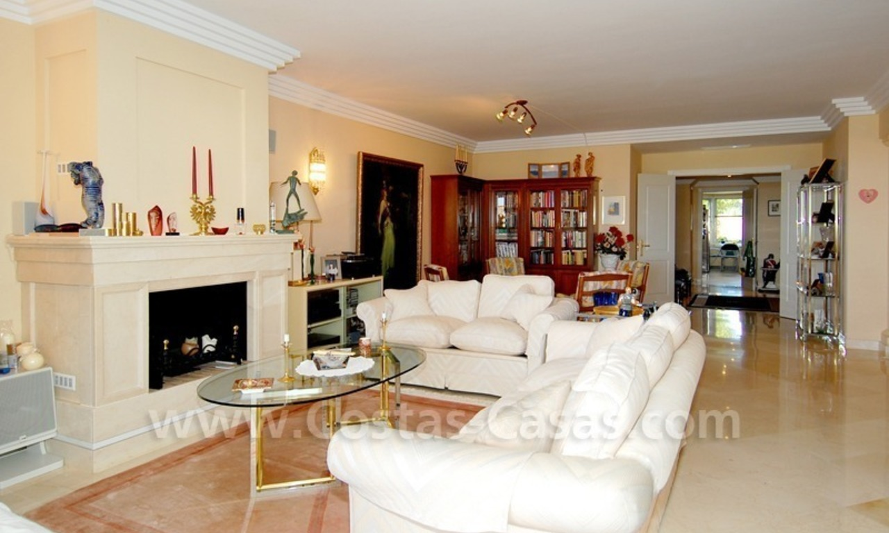 Large luxury apartment for sale in Nueva Andalucia – Marbella 17