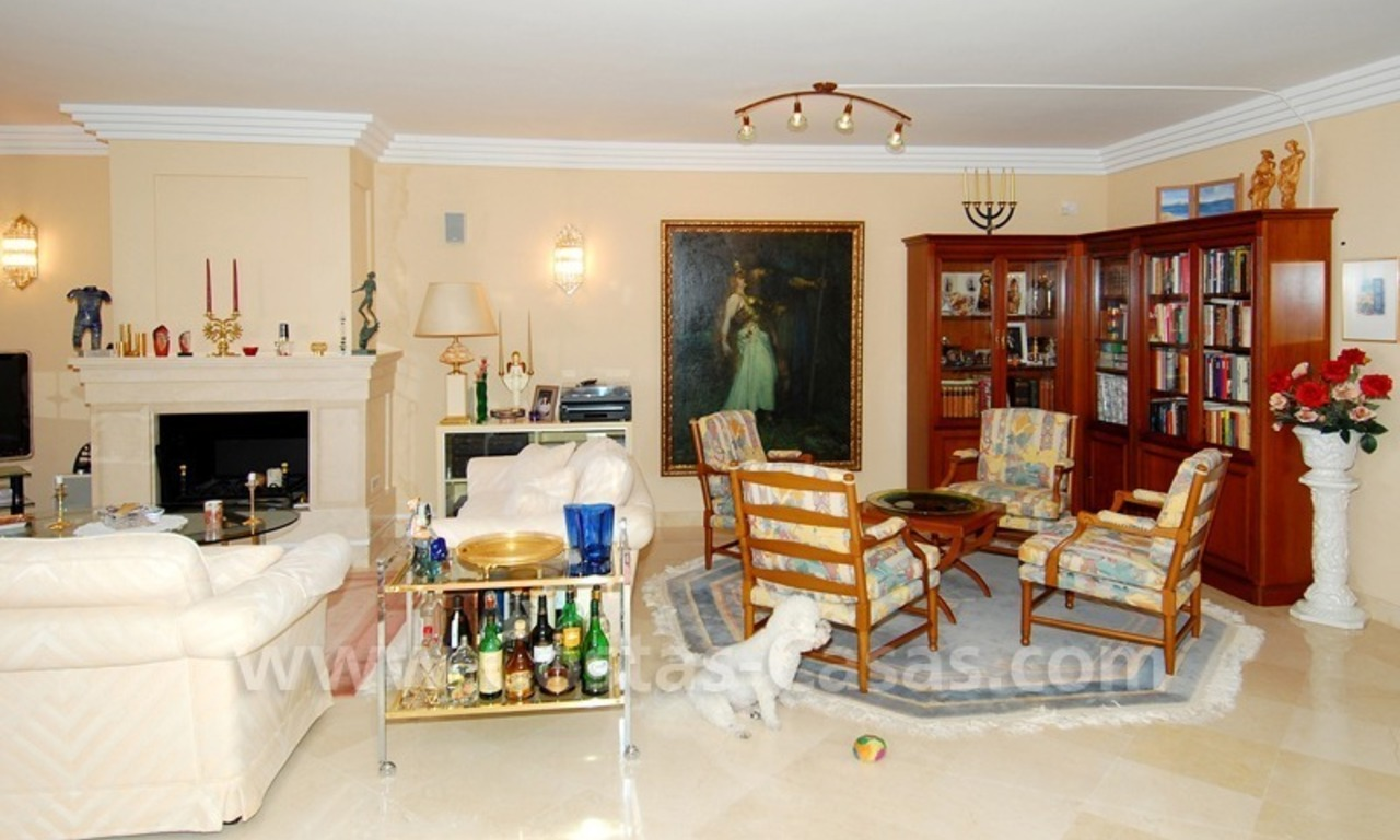 Large luxury apartment for sale in Nueva Andalucia – Marbella 18