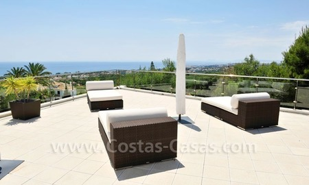 Contemporary style luxury houses for sale on the Golden Mile in Marbella 1