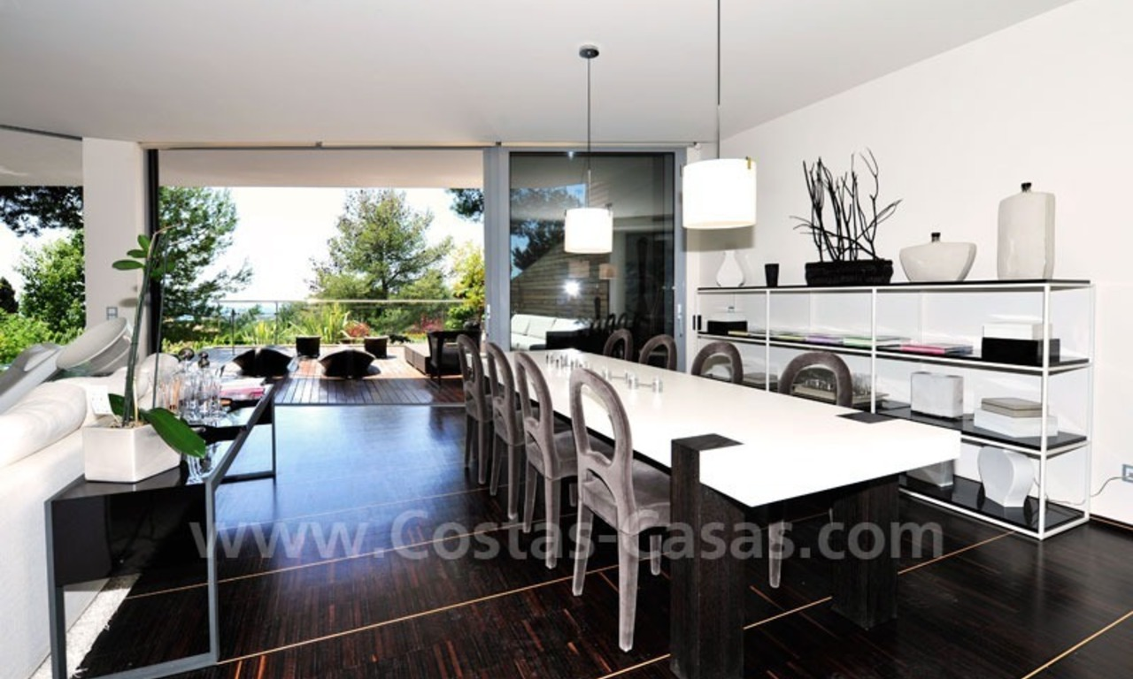 Contemporary style luxury houses for sale on the Golden Mile in Marbella 11