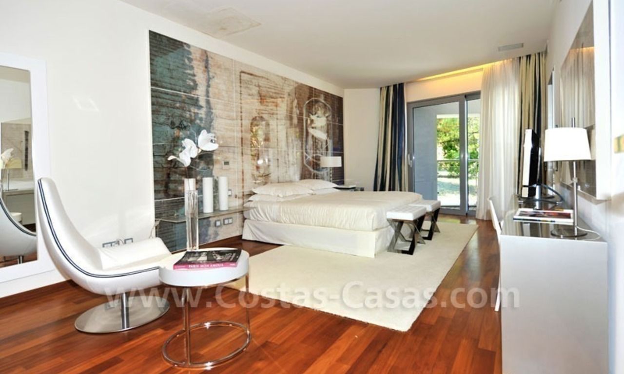 Contemporary style luxury houses for sale on the Golden Mile in Marbella 21