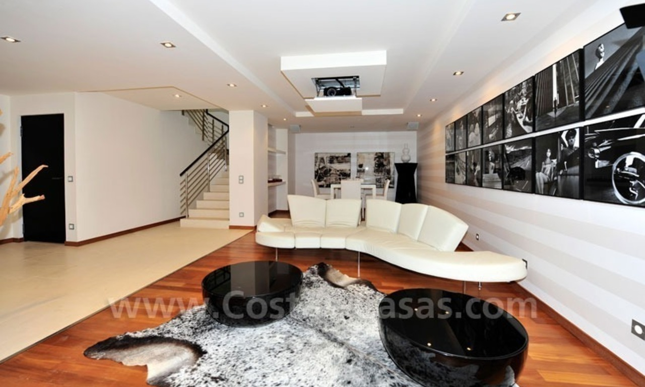 Contemporary style luxury houses for sale on the Golden Mile in Marbella 25