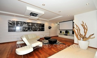 Contemporary style luxury houses for sale on the Golden Mile in Marbella 26