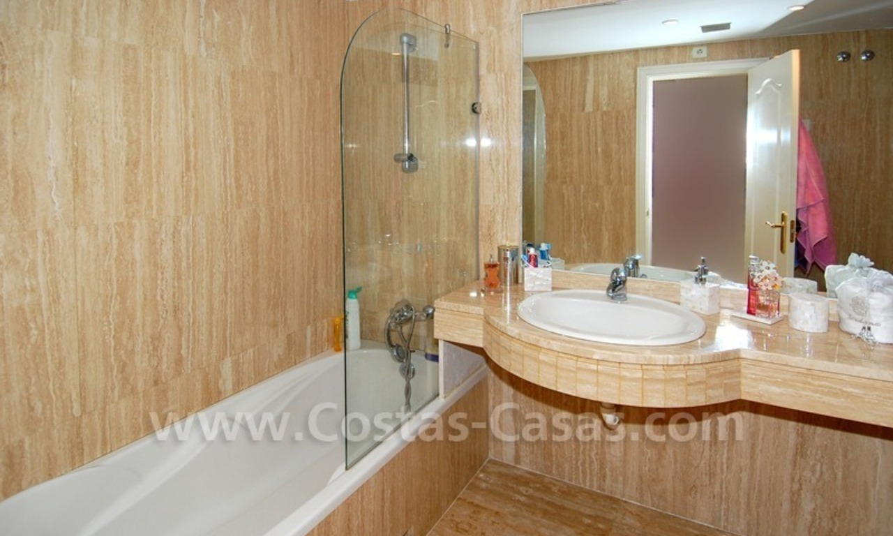 Spacious luxury apartment for sale in Nueva Andalucía very near to Puerto Banús in Marbella 7