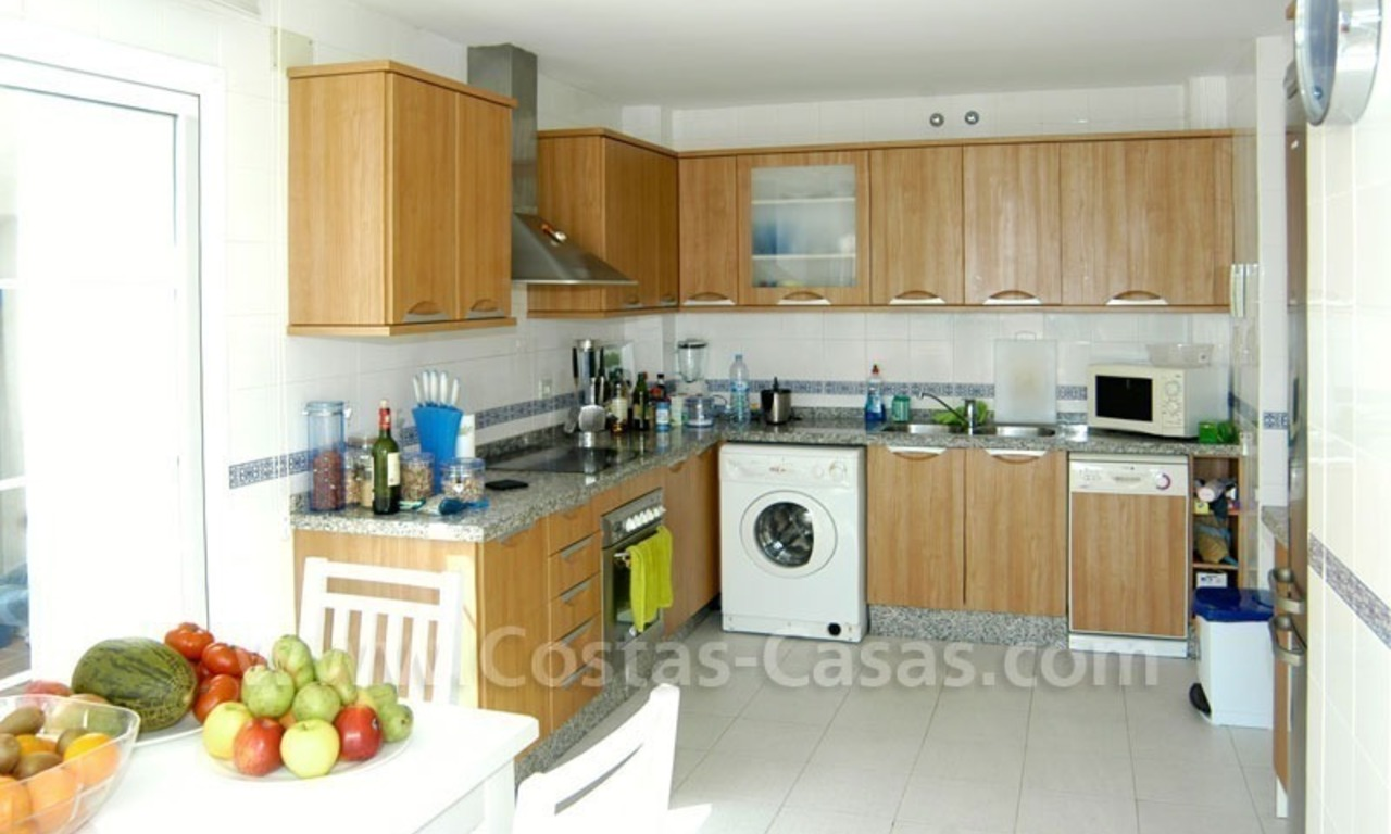 Spacious duplex penthouse apartment to buy on the beachfront complex in Marbella 6