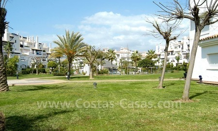 Spacious apartment for sale on the beachfront complex in Marbella. 3