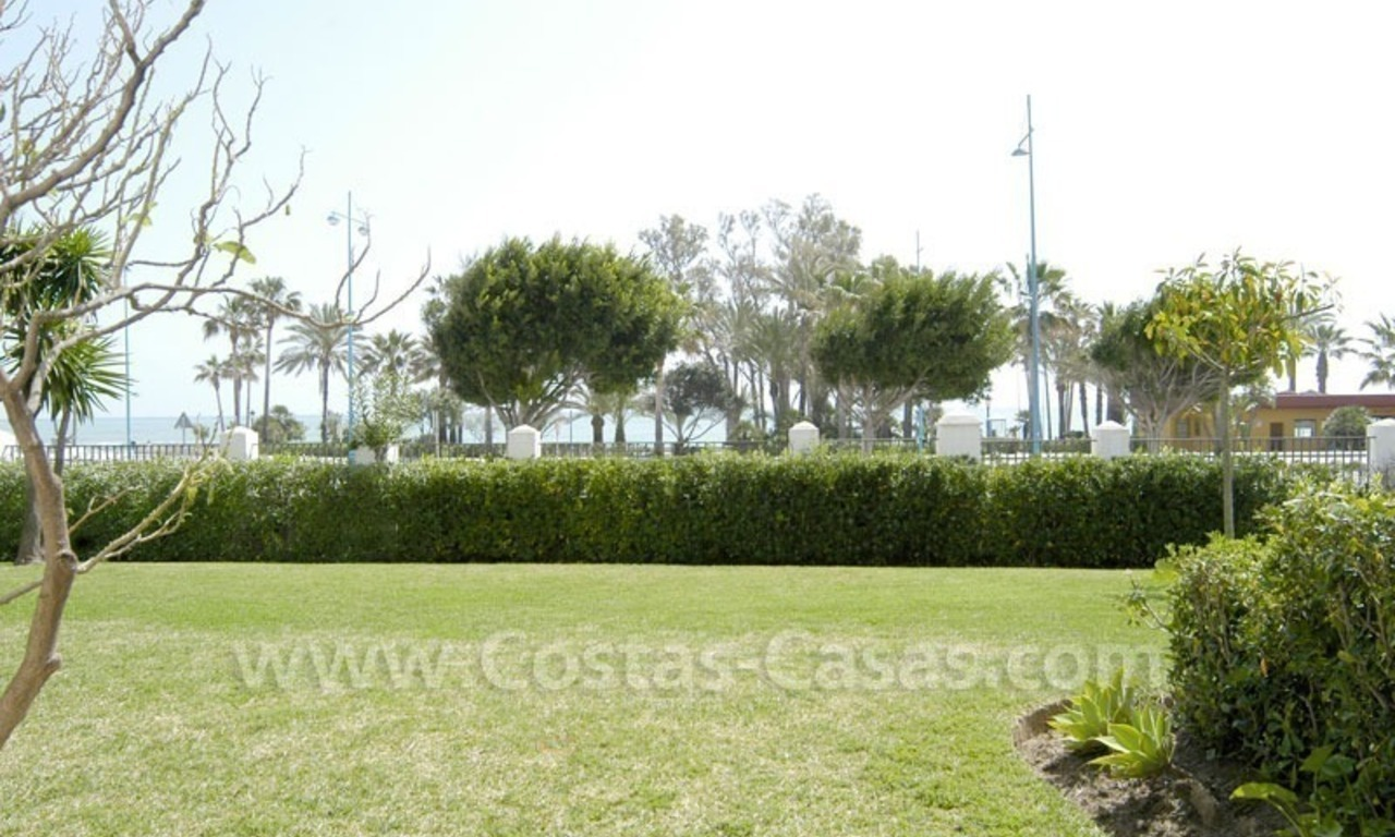 Spacious apartment for sale on the beachfront complex in Marbella. 0