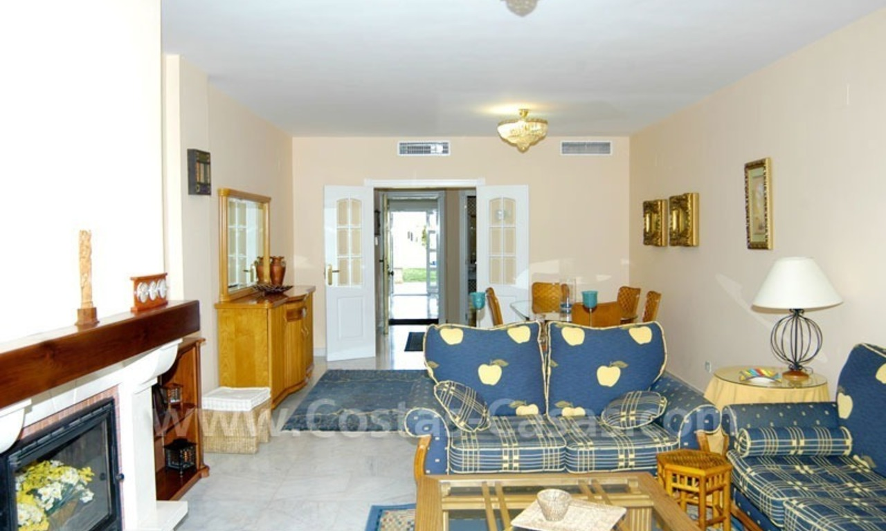 Spacious apartment for sale on the beachfront complex in Marbella. 10