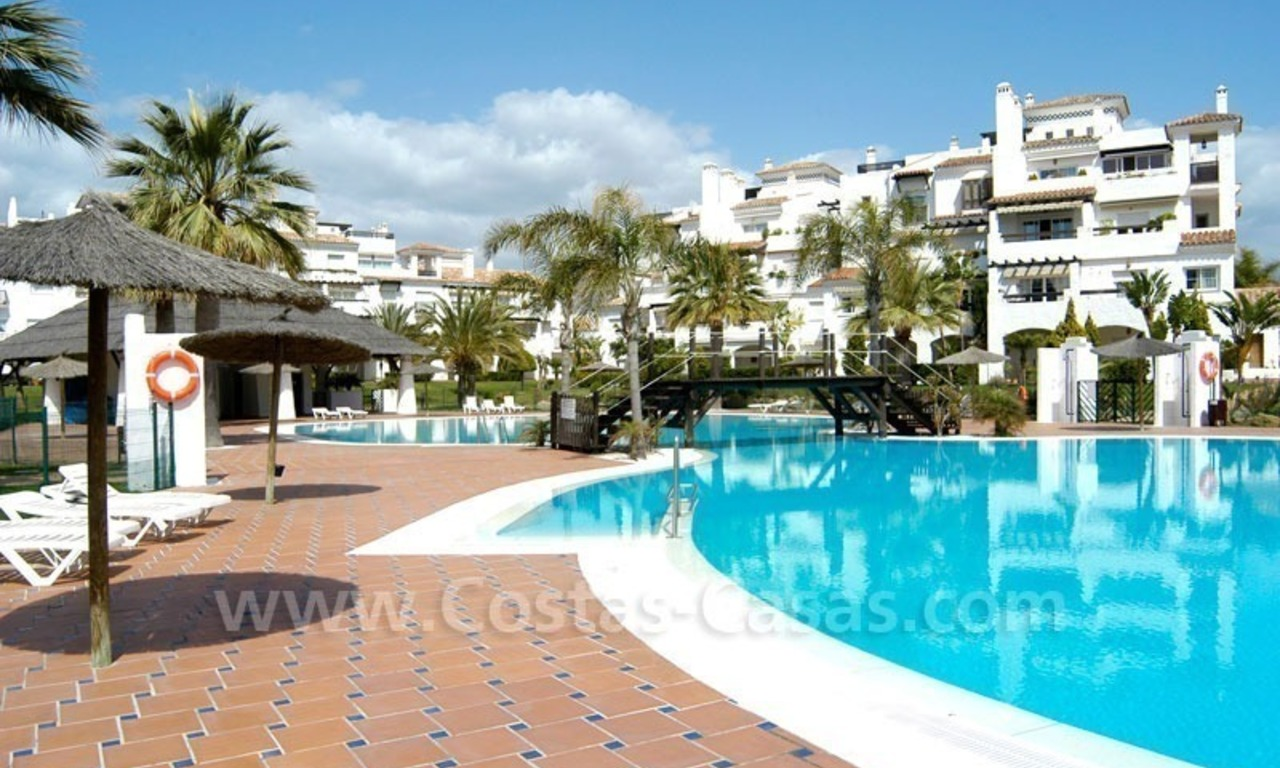 Spacious apartment for sale on the beachfront complex in Marbella. 7