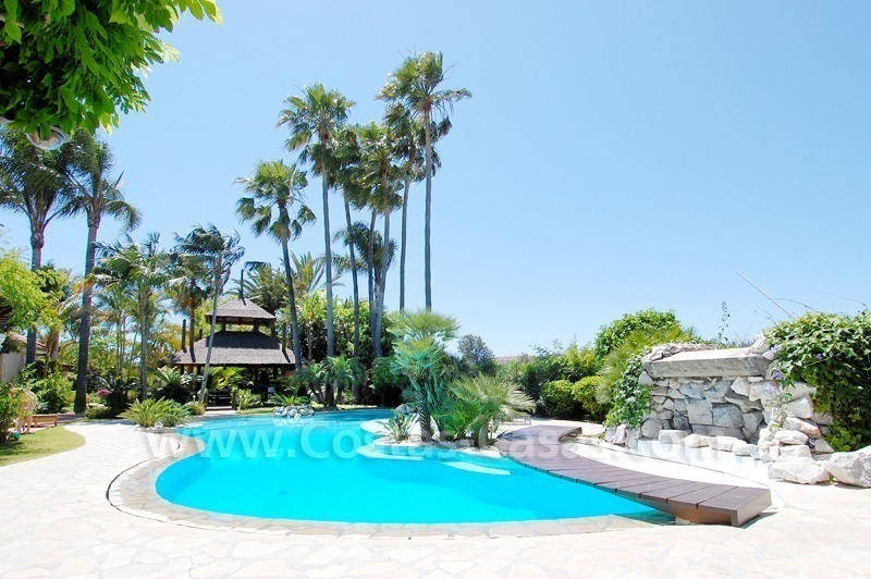Exclusive front line golf Bali styled villa for sale in Nueva Andalucía, Marbella 0