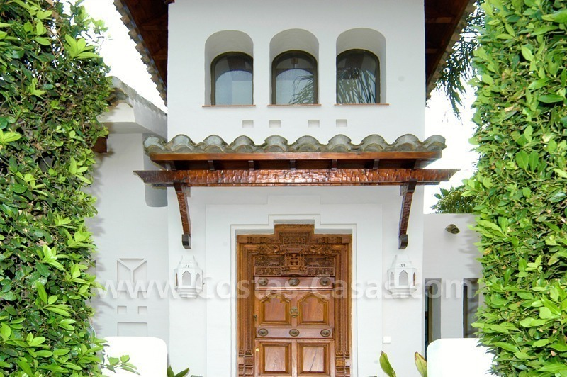 Exclusive front line golf Bali styled villa for sale in Nueva Andalucía, Marbella 14