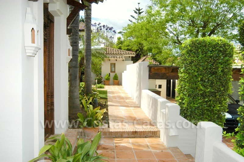 Exclusive front line golf Bali styled villa for sale in Nueva Andalucía, Marbella 12