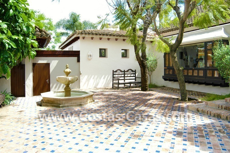 Exclusive front line golf Bali styled villa for sale in Nueva Andalucía, Marbella 10