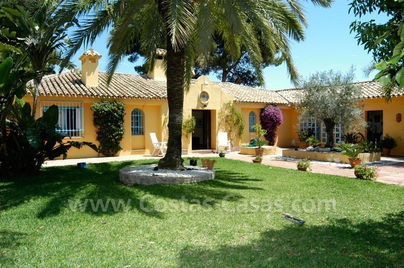 Rustic styled villa with paddock and stables for sale in Marbella at the Costa del Sol