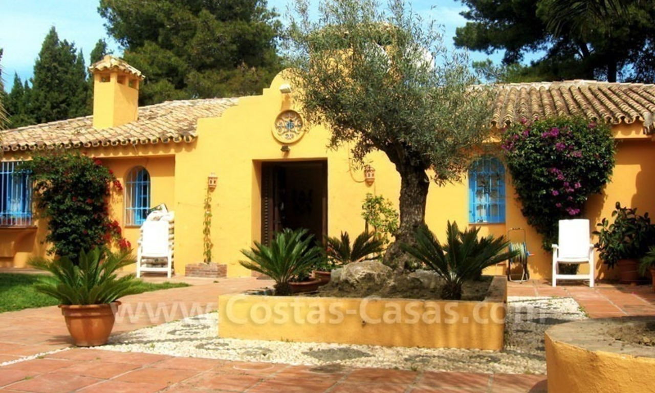 Rustic styled villa with paddock and stables for sale in Marbella at the Costa del Sol 6