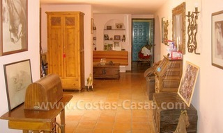 Rustic styled villa with paddock and stables for sale in Marbella at the Costa del Sol 19