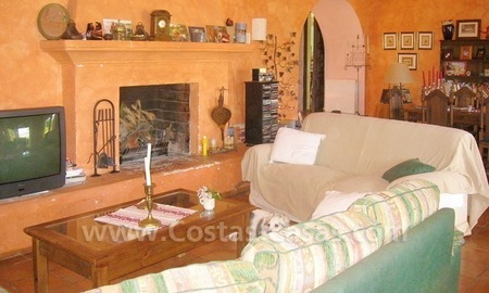 Rustic styled villa with paddock and stables for sale in Marbella at the Costa del Sol 17