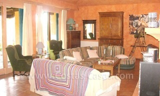 Rustic styled villa with paddock and stables for sale in Marbella at the Costa del Sol 18
