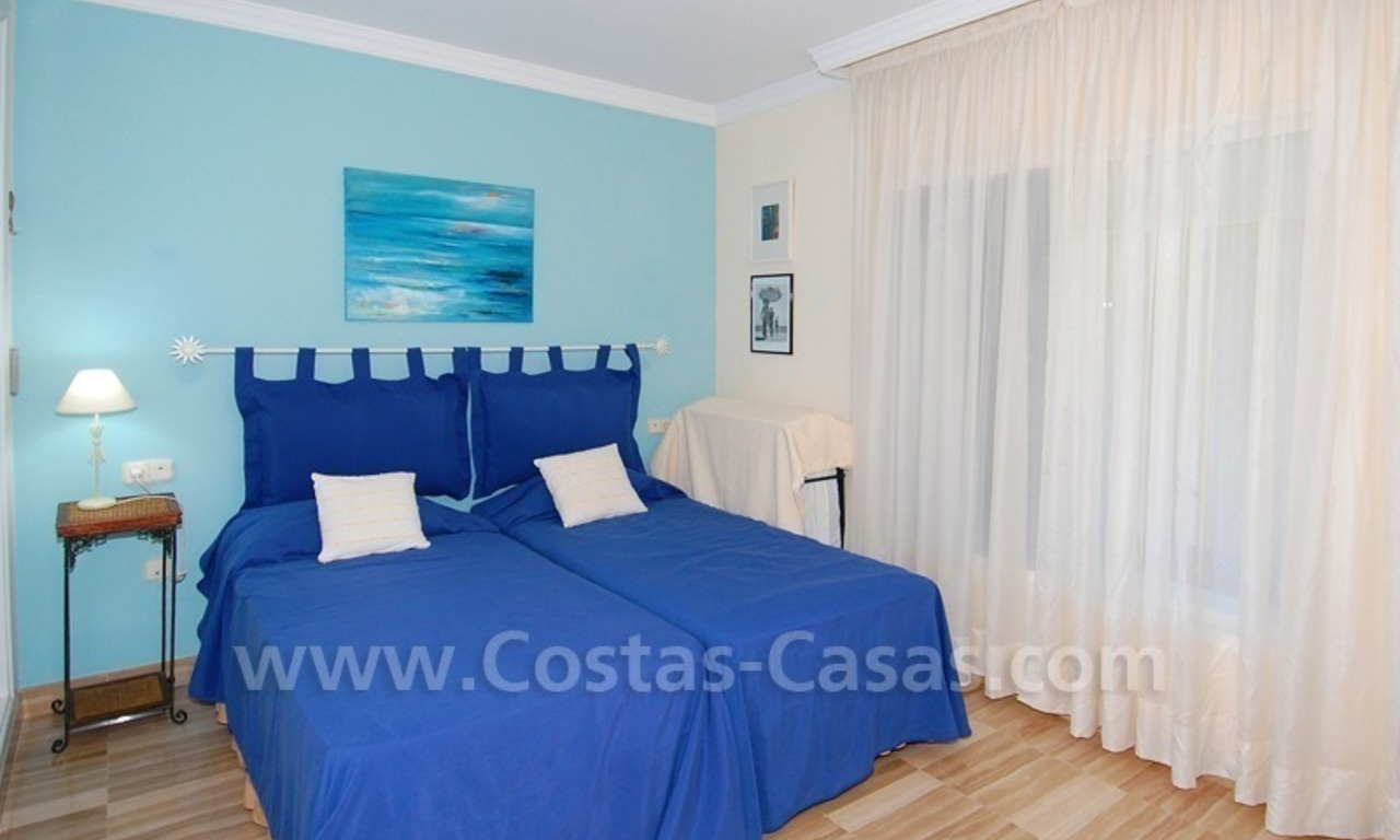 Beachside apartment to buy in Marbella 12