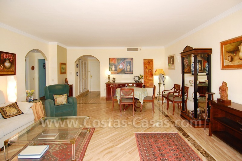 Beachside apartment to buy in Marbella 10
