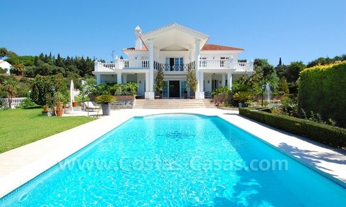 Colonial styled luxury villa to buy in Marbella East.