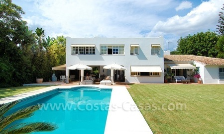 Totally renovated detached villa nearby the beach for sale in Marbella 3