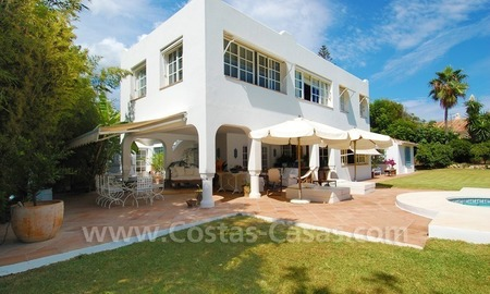 Totally renovated detached villa nearby the beach for sale in Marbella 1