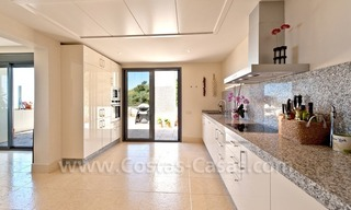 Luxury modern style penthouse apartment for sale in Marbella 17
