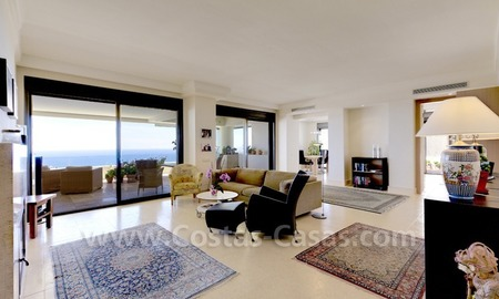 Luxury modern style penthouse apartment for sale in Marbella 10
