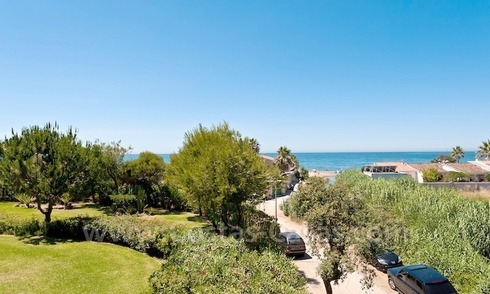 Beachside apartment for sale in beachfront complex in Marbella