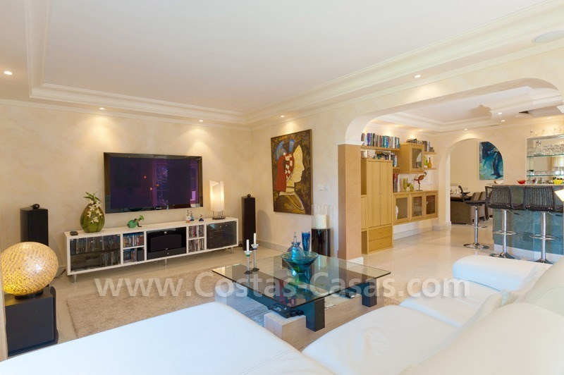 Luxury villa for sale in Marbella east 12