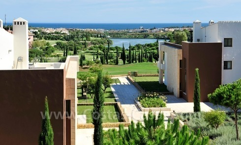Contemporary frontline golf apartments for sale - Marbella - Benahavis
