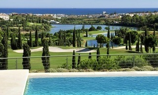Contemporary frontline golf apartments for sale - Marbella - Benahavis 16