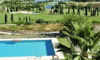 Contemporary frontline golf apartments for sale - Marbella - Benahavis 17