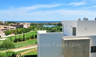 Contemporary frontline golf apartment for sale - Marbella - Benahavis 3