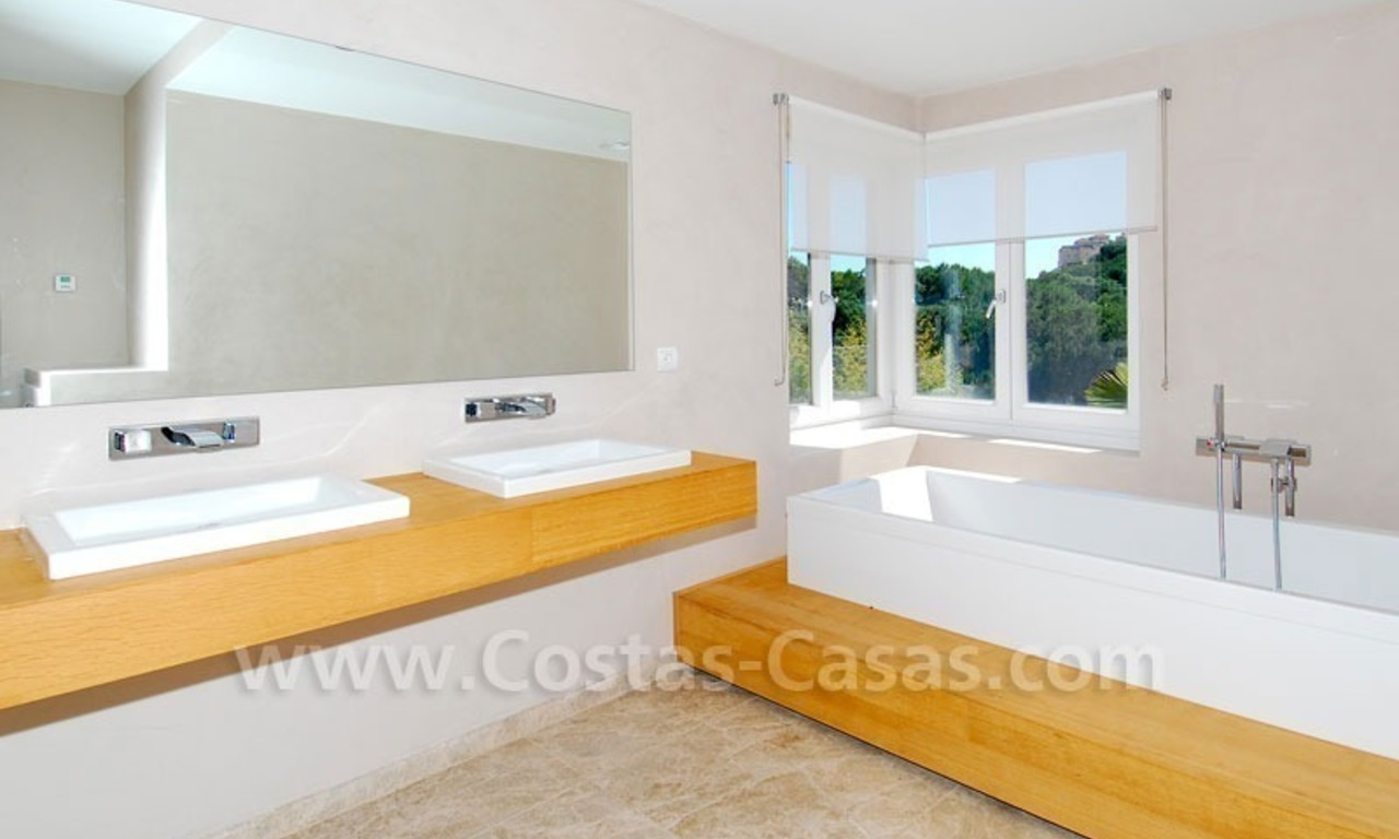Bargain! Modern villa for sale in Elviria, Marbella east 12