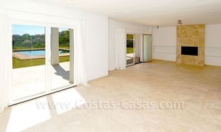 Bargain! Modern villa for sale in Elviria, Marbella east 5