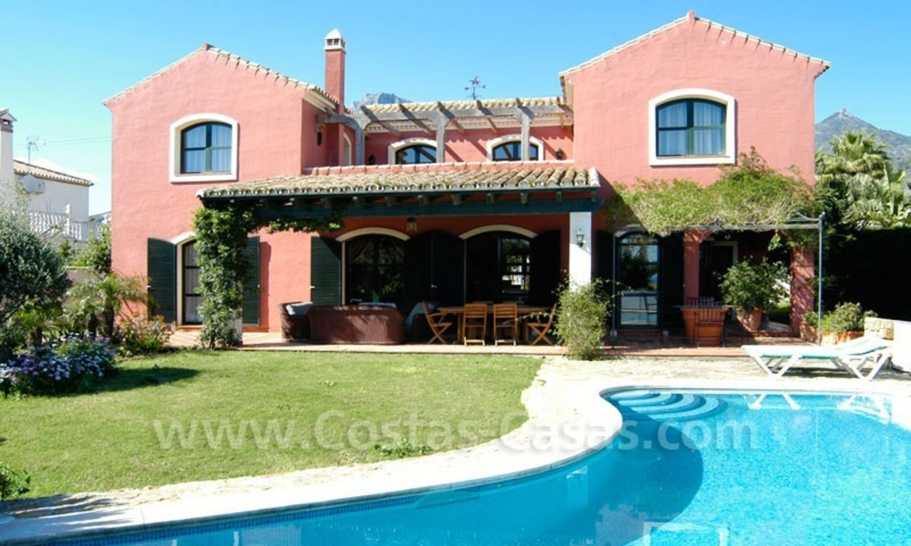 Classical villa to buy in Central Marbella 0