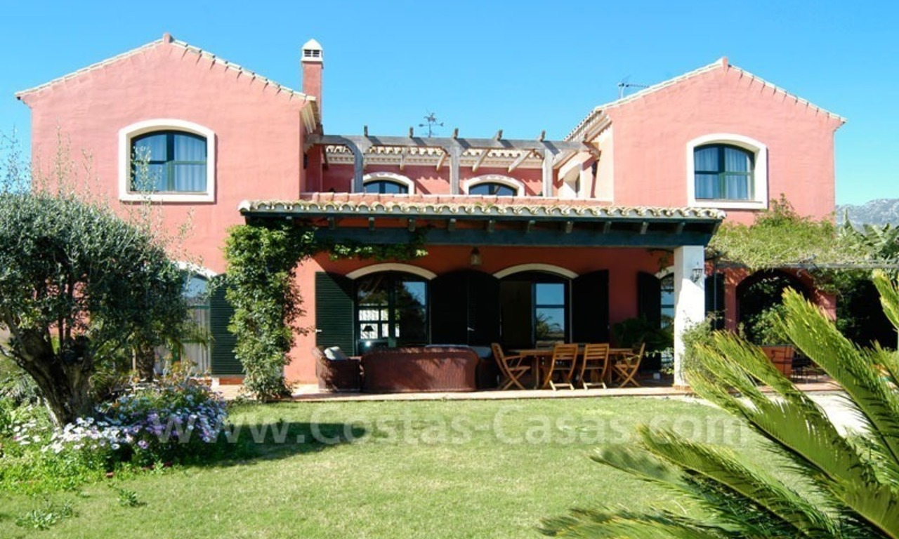 Classical villa to buy in Central Marbella 1