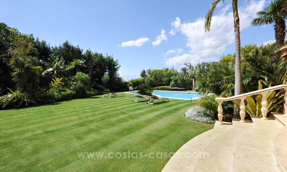 Luxury villa for sale on the Golden Mile, Marbella 30452