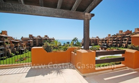 Luxury apartment for sale in a beachfront complex on the New Golden Mile in the area between Marbella and Estepona 3